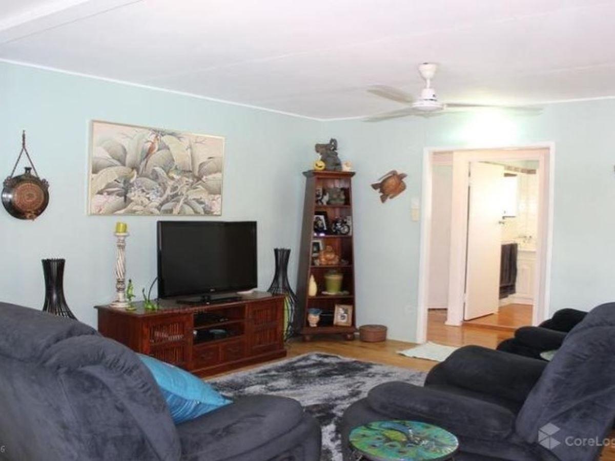 106 Tills Street, Manunda QLD 4870, Image 2