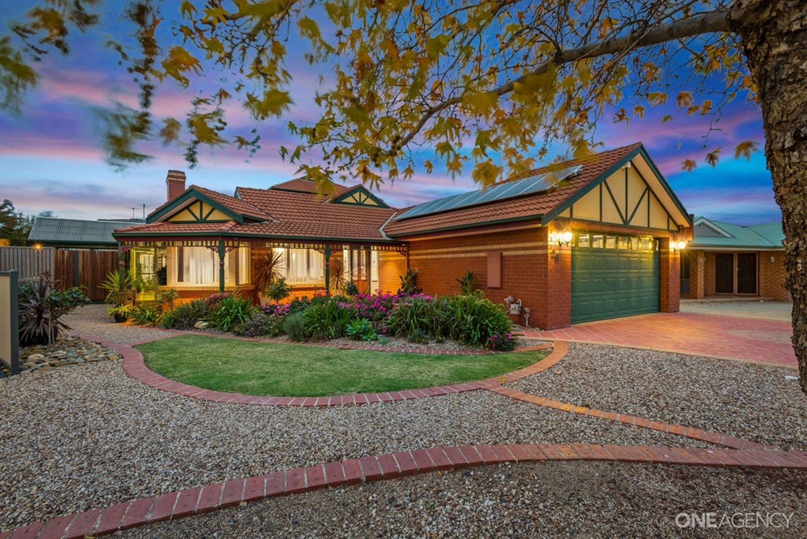 20 Leichardt Close, Taylors Lakes VIC 3038, Image 0