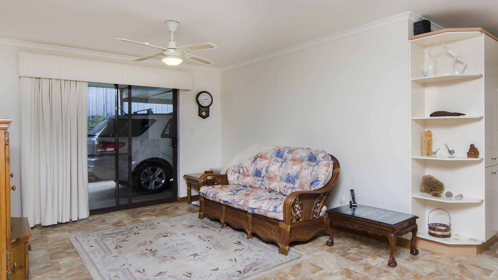 120 Canterbury Road, Victor Harbor SA 5211, Image 2