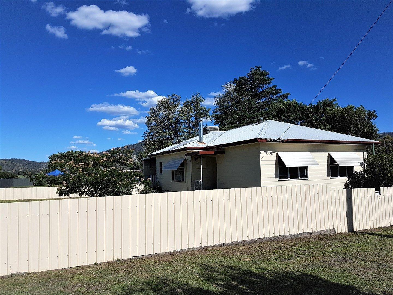 3 DENMAN AVE, Kootingal NSW 2352, Image 0