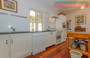 Picture of 8 Thorn Street, York WA 6302