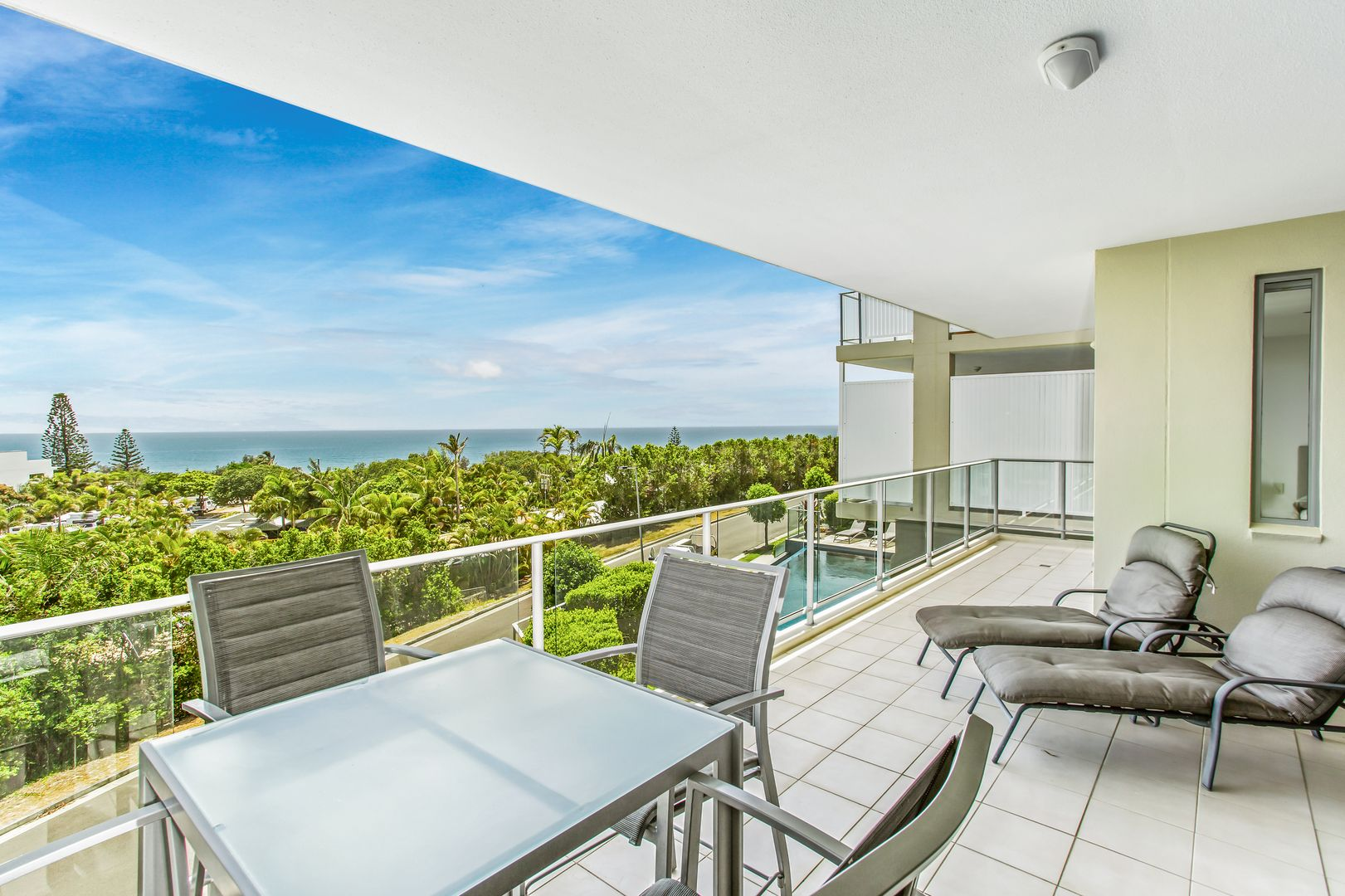 5/3-5 Ocean View Parade, Rainbow Beach QLD 4581, Image 2