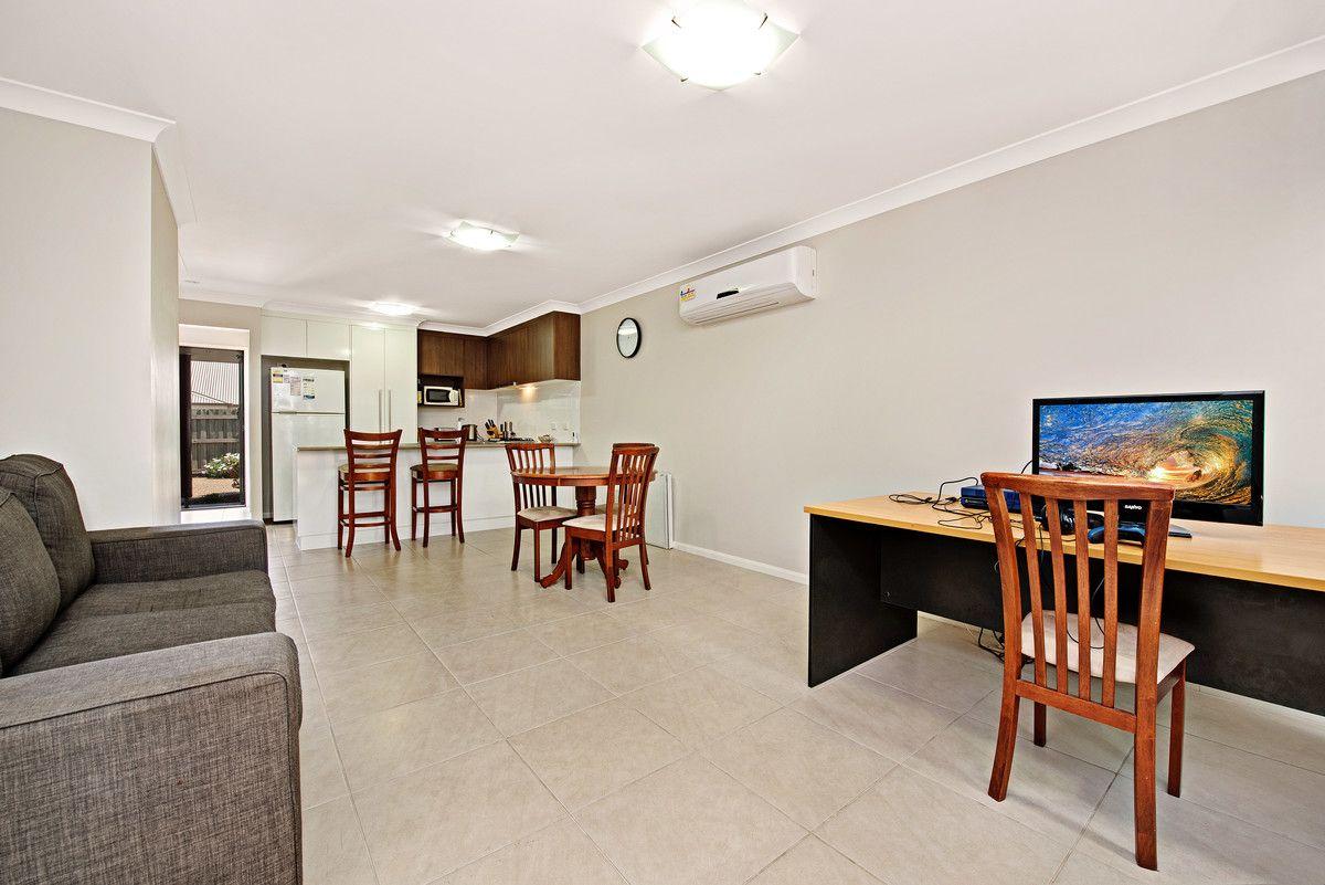 5/23 Devine Street, Harristown QLD 4350, Image 2