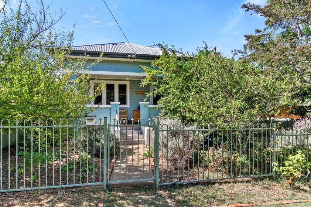 24 Gipps Street, Tamworth NSW 2340, Image 0