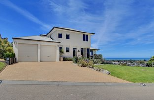 Picture of 16 Sealakes Close, Lakes Entrance VIC 3909