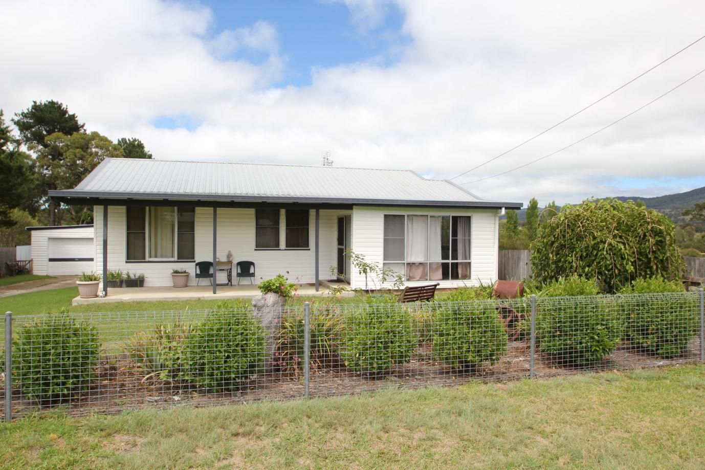 41 Clifton Street, Tenterfield NSW 2372, Image 0