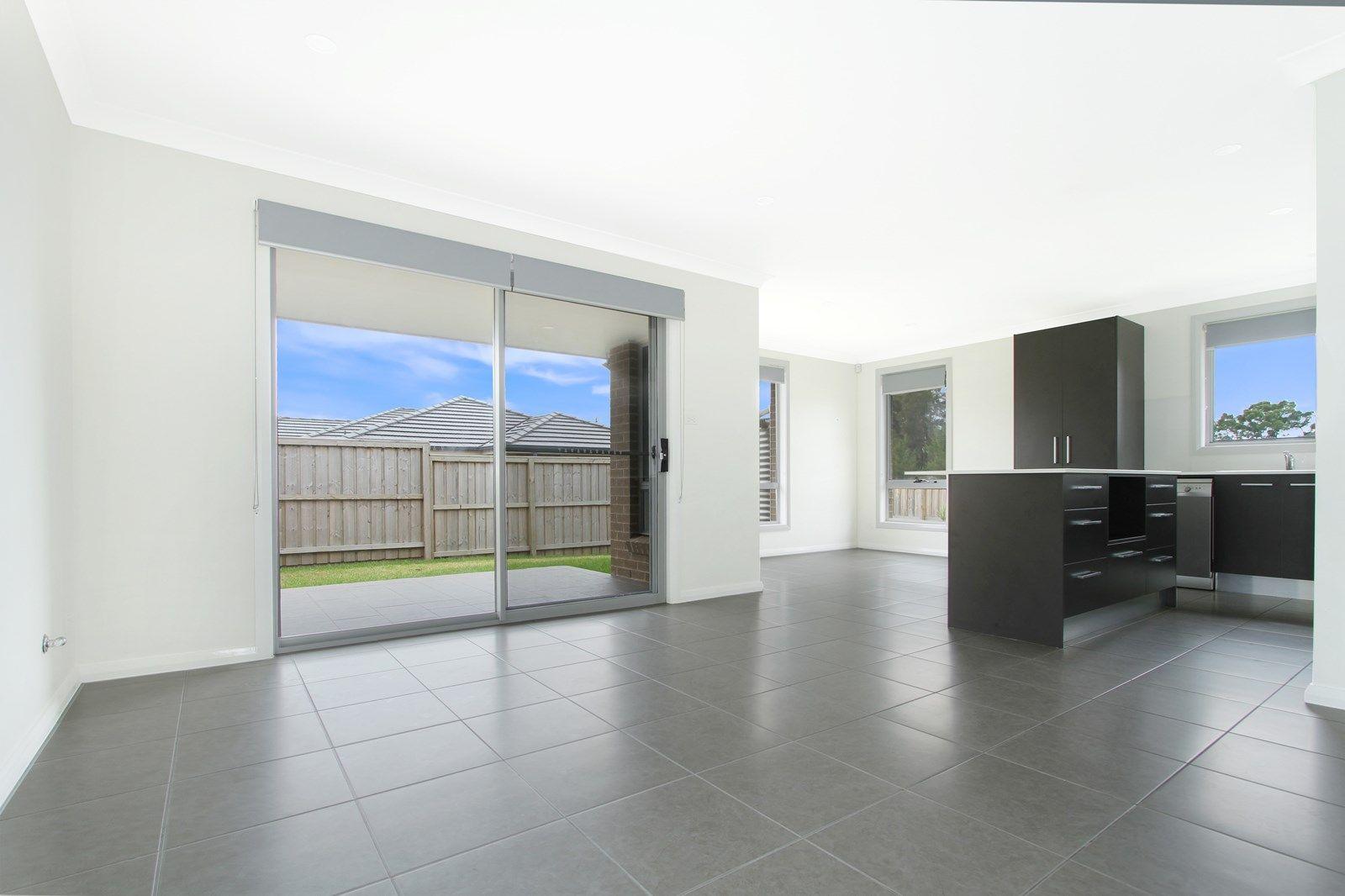 8 Churchill  Circuit, Barrack Heights NSW 2528, Image 1