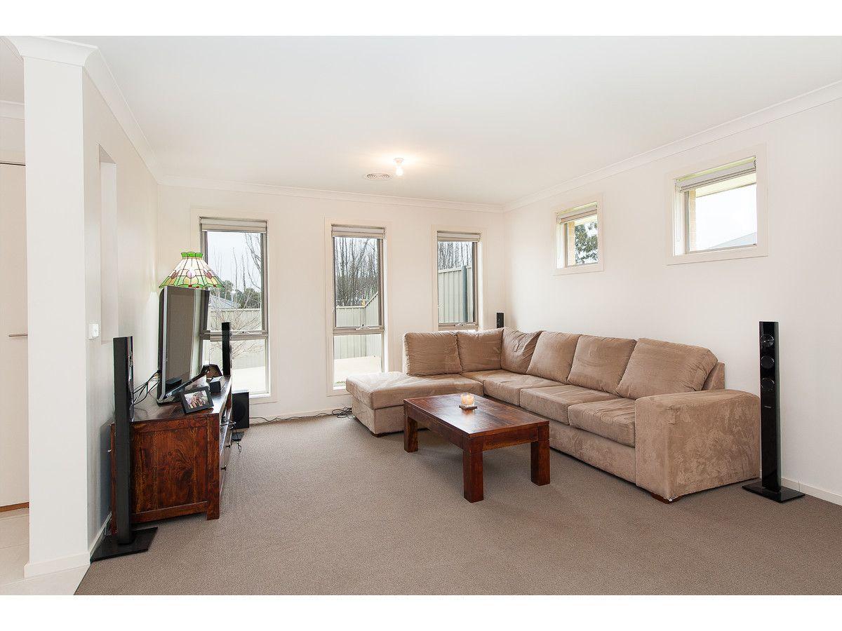 2/32 Whitton Drive, Thurgoona NSW 2640, Image 1