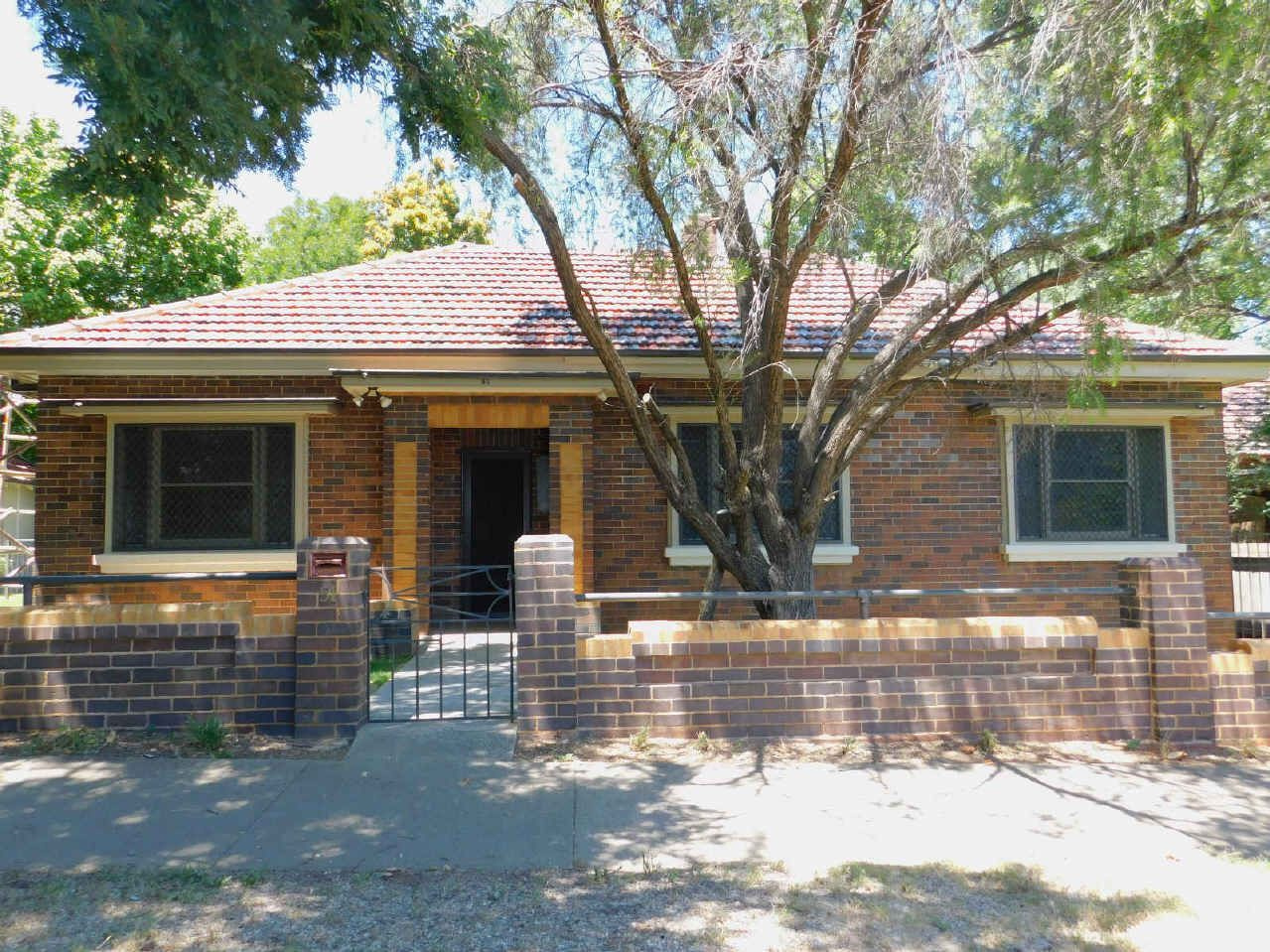 51 FITZROY STREET, East Tamworth NSW 2340, Image 0