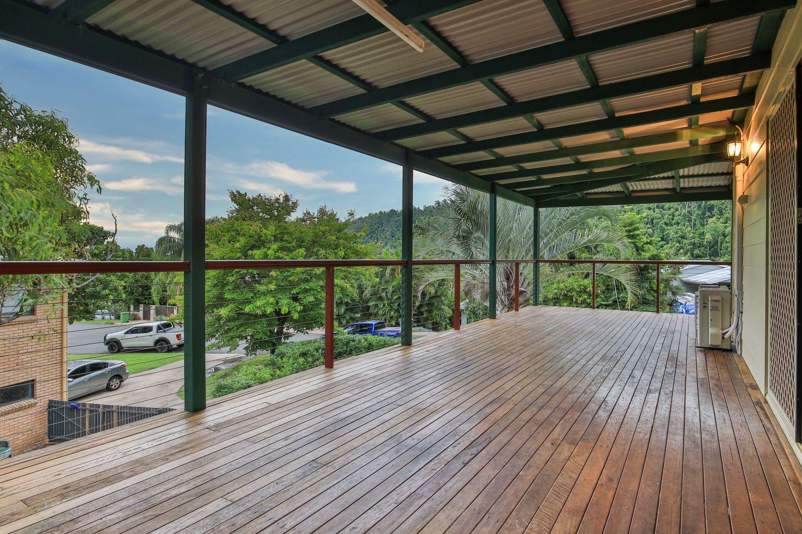 11 Macona Crescent, Cannonvale QLD 4802, Image 2