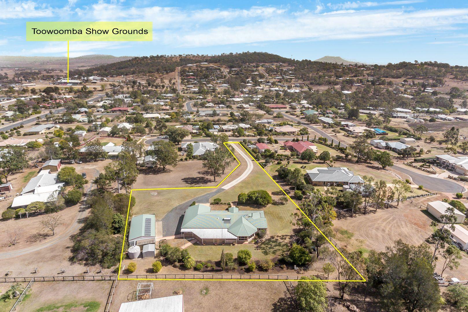 4 Brunswick Court, Glenvale QLD 4350, Image 1