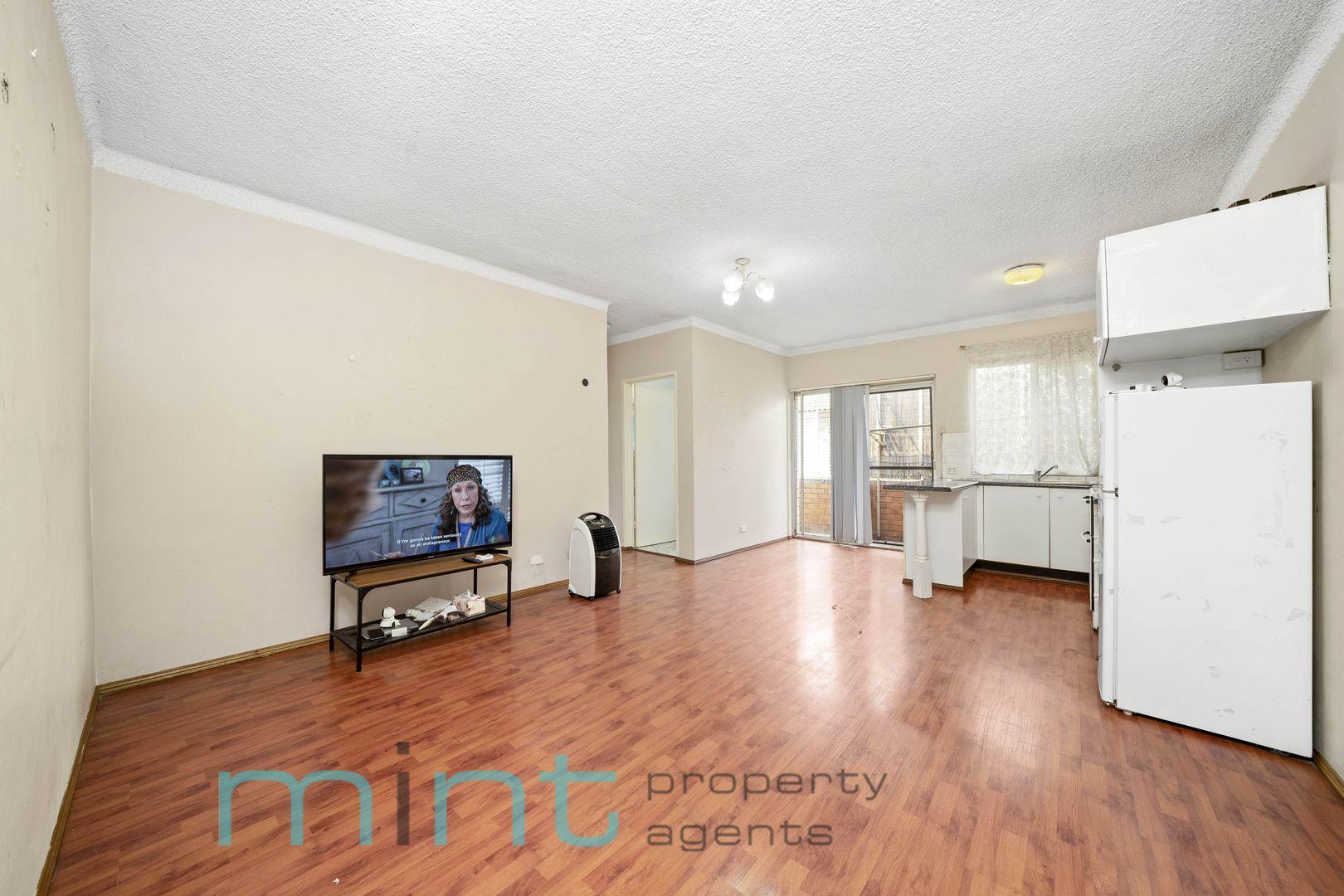 10/1 Waterside  Crescent, Carramar NSW 2163, Image 1