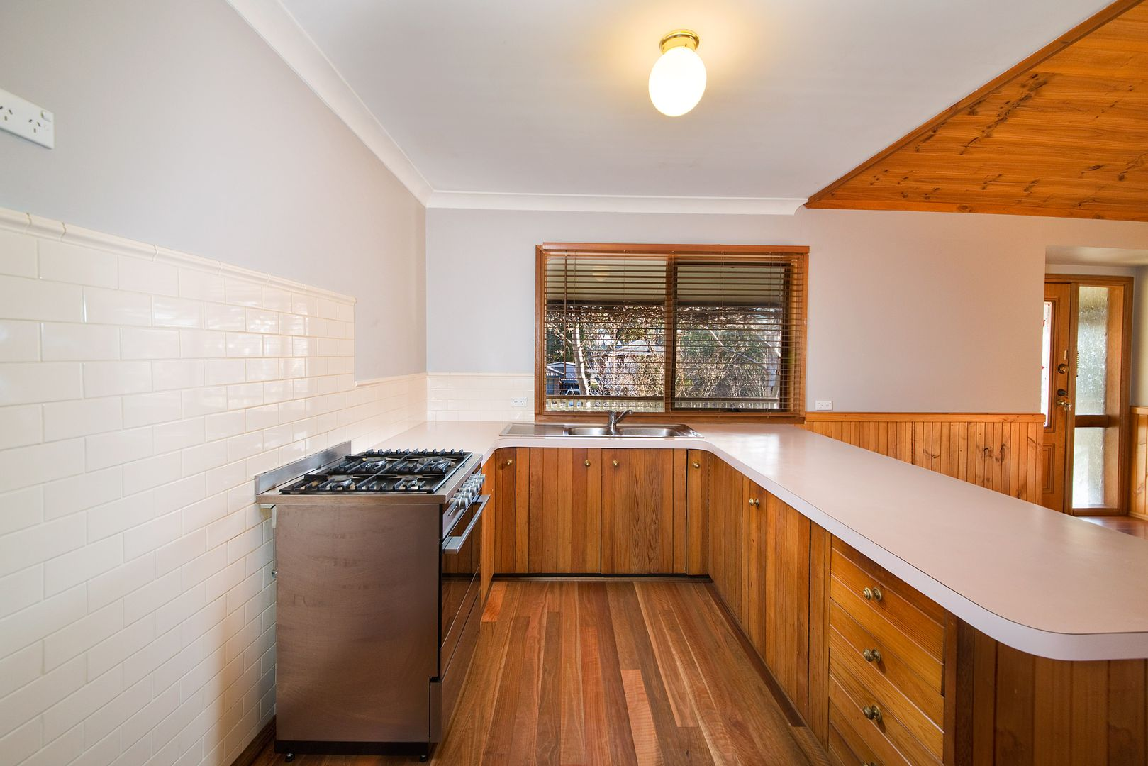 22 Grand View Road, Mount Victoria NSW 2786, Image 2