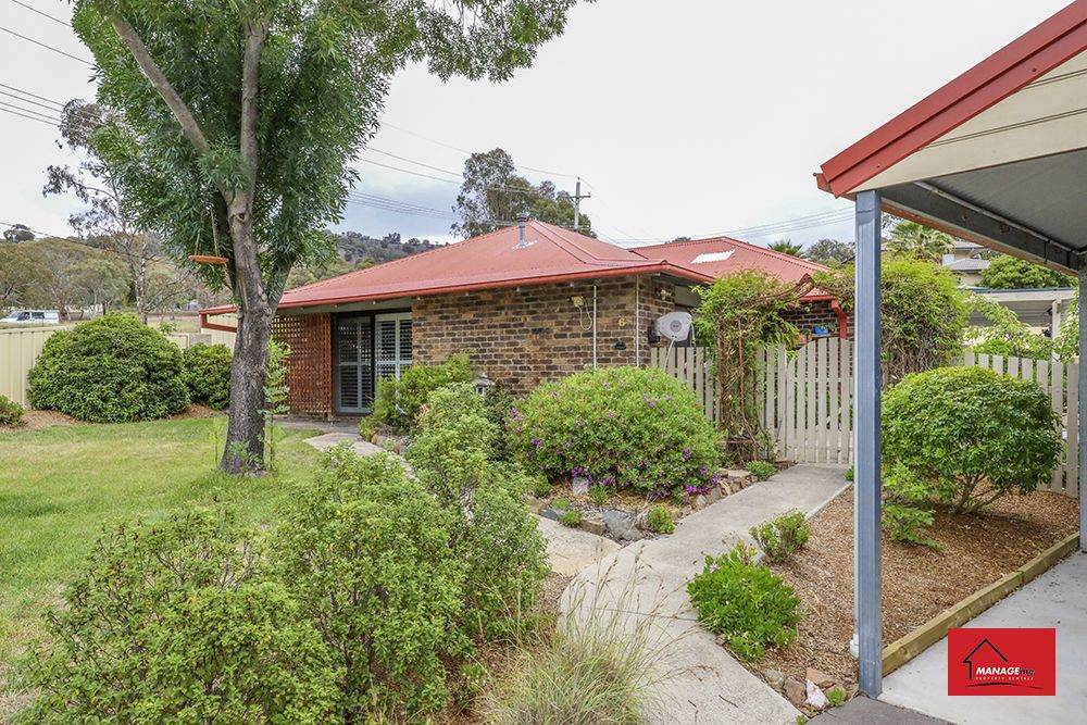 6 Linton Place, Calwell ACT 2905, Image 0