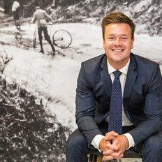 Tristan Tomasino, Sales representative