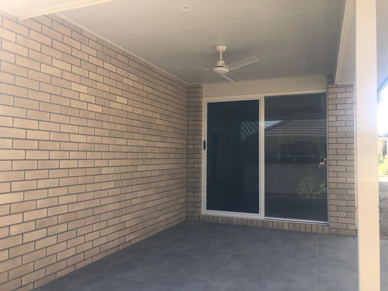12 Paul Place, Collingwood Park QLD 4301, Image 2