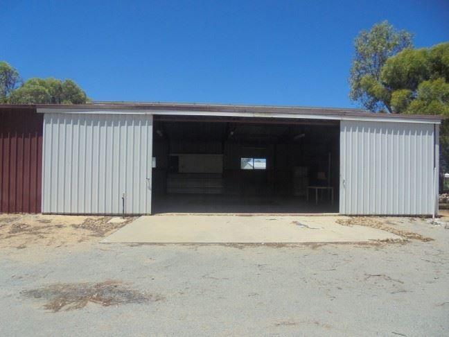 74 Tulloch Drive, Dongara WA 6525, Image 2