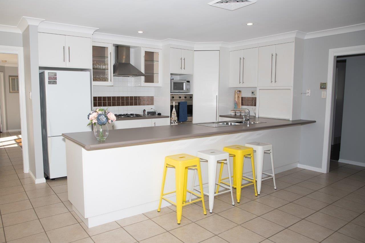 33 St Andrews Drive, Dubbo NSW 2830, Image 2