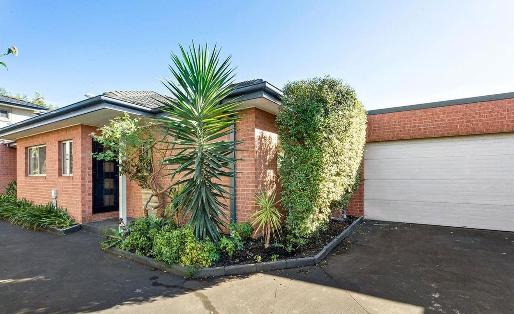 2/16 Bowes Avenue, Airport West VIC 3042, Image 0