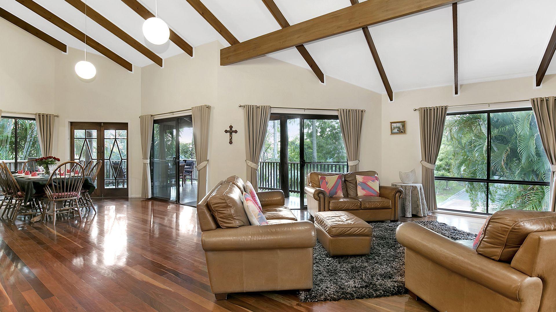 28 Larwood Place, Ferny Hills QLD 4055, Image 2