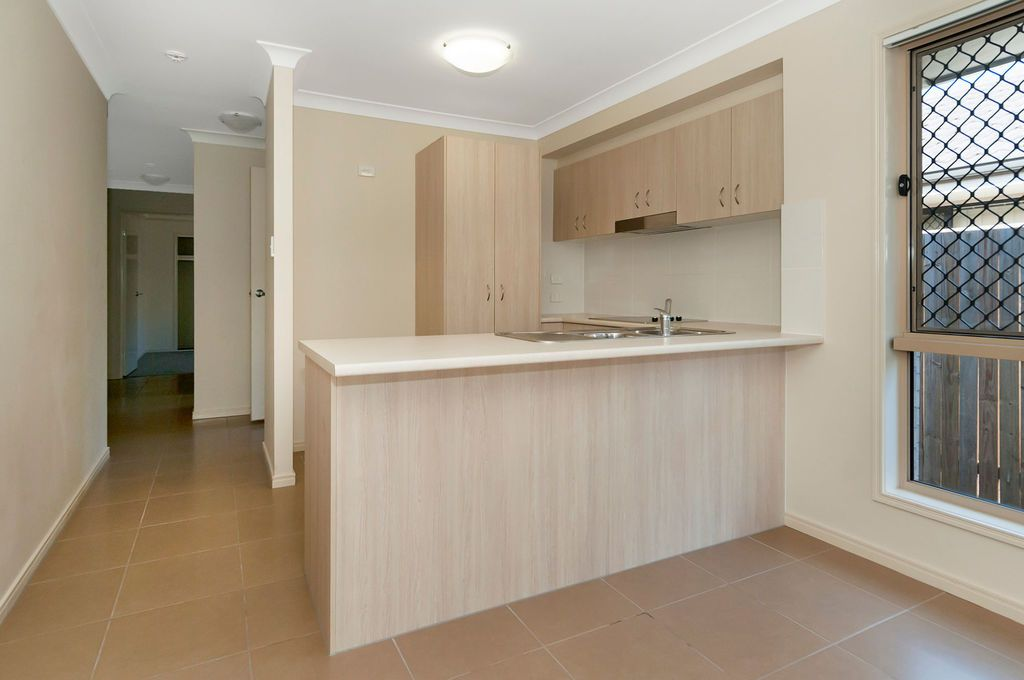 1/30 Adelaide St, Kingston QLD 4114, Image 2