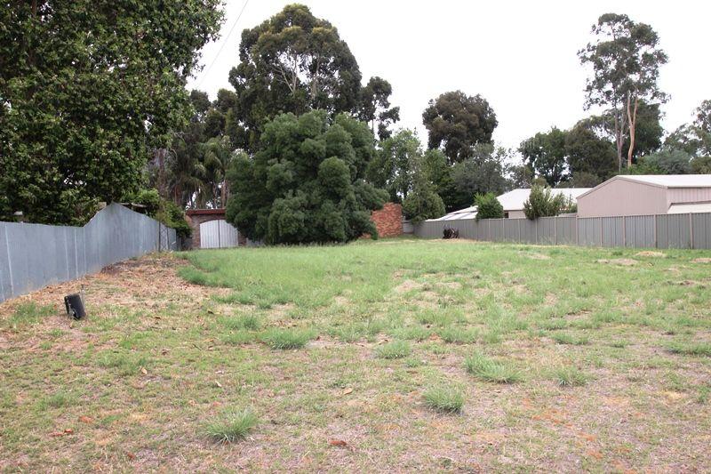 27 Kamarooka  Street, Barooga NSW 3644, Image 2