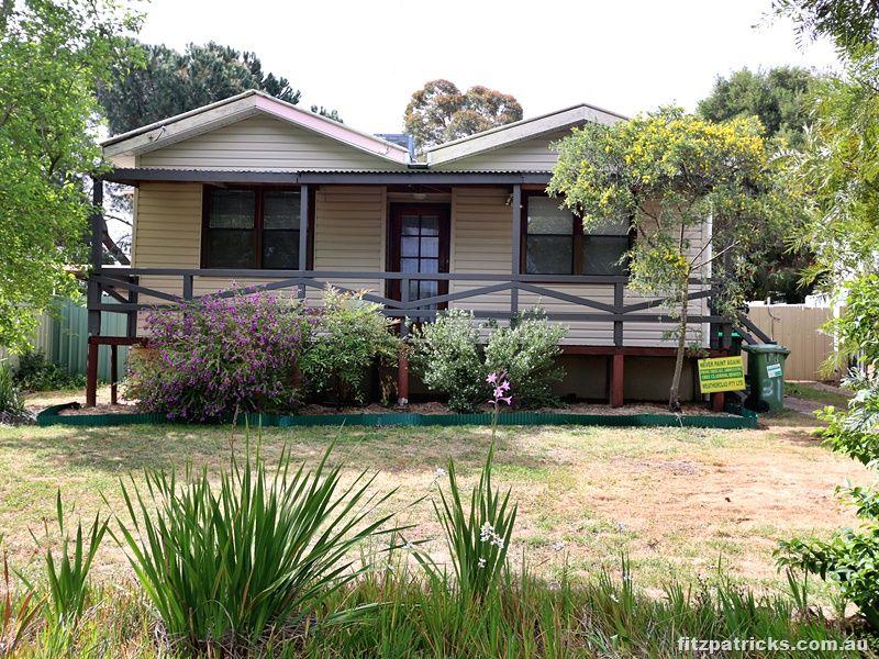 31 Castlereagh Avenue, Mount Austin NSW 2650, Image 0