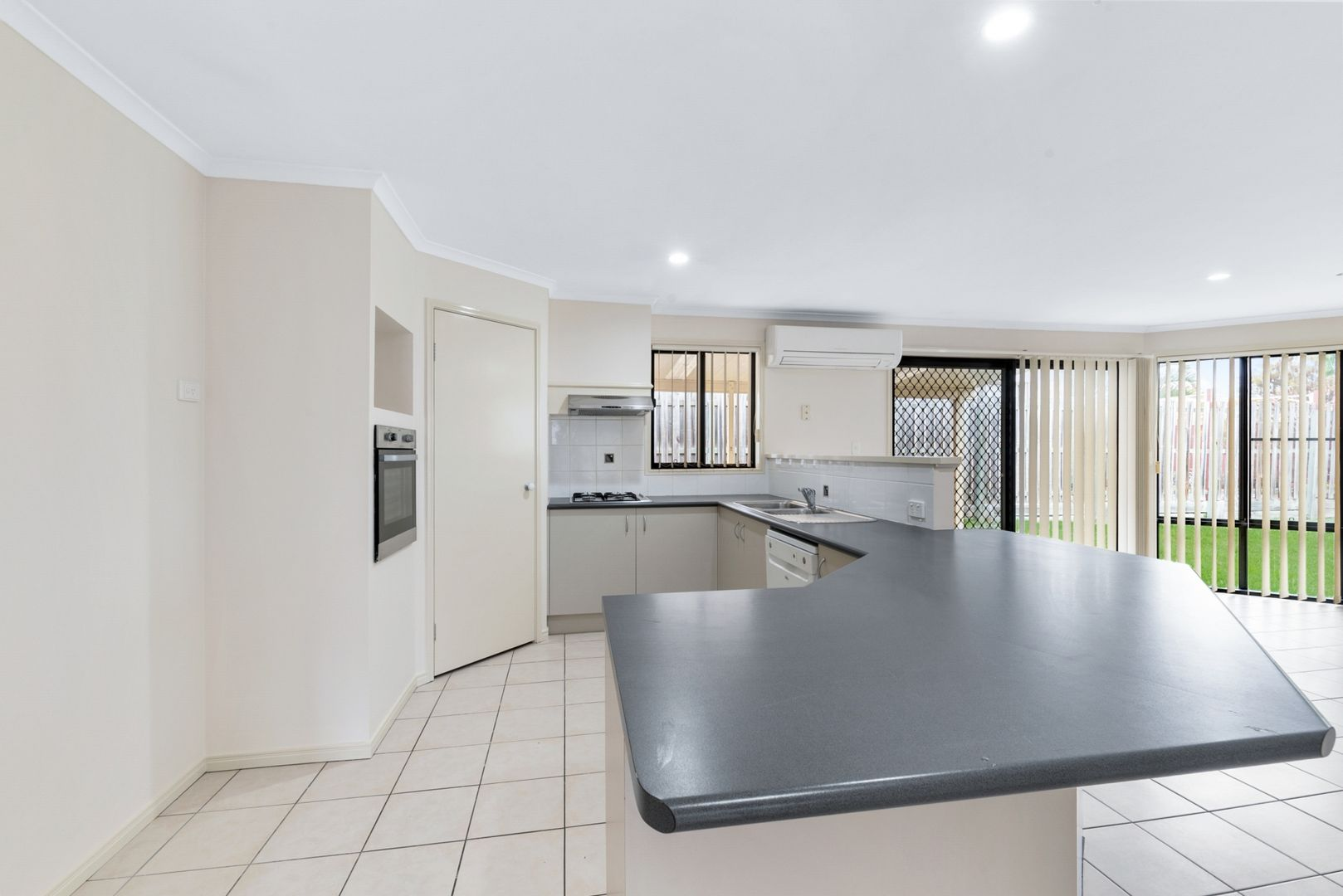 15 Litchfield Court, North Lakes QLD 4509, Image 2