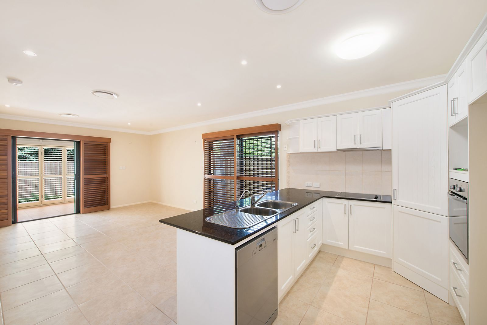 2/14 Burnaby Terrace, Gordon Park QLD 4031, Image 2