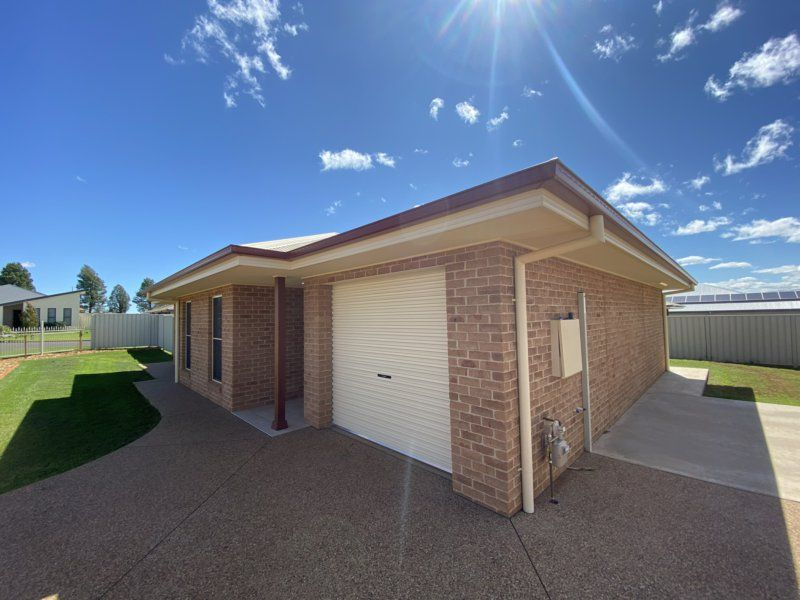 72 Champagne Dr, Dubbo NSW 2830, Image 0