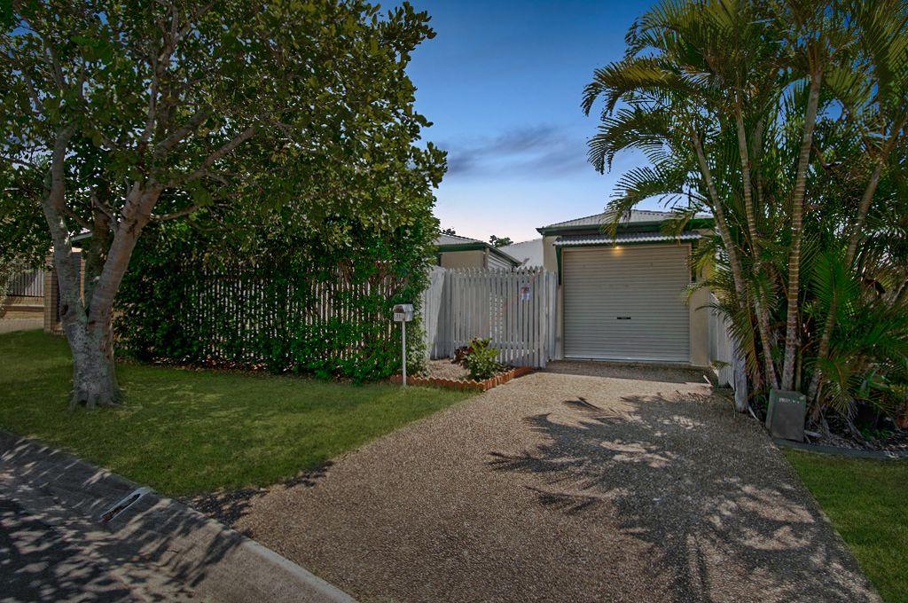 11 Rosella Street, Loganlea QLD 4131, Image 1