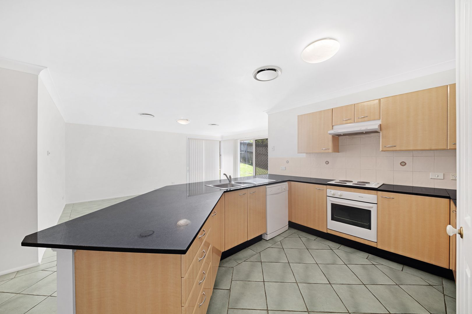 2 Wakefield  Close, Kariong NSW 2250, Image 1