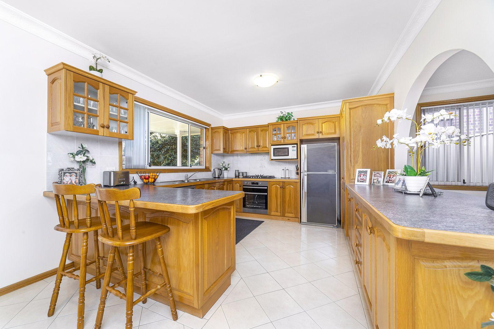 22 MURROGUN CRESCENT, Cordeaux Heights NSW 2526, Image 2