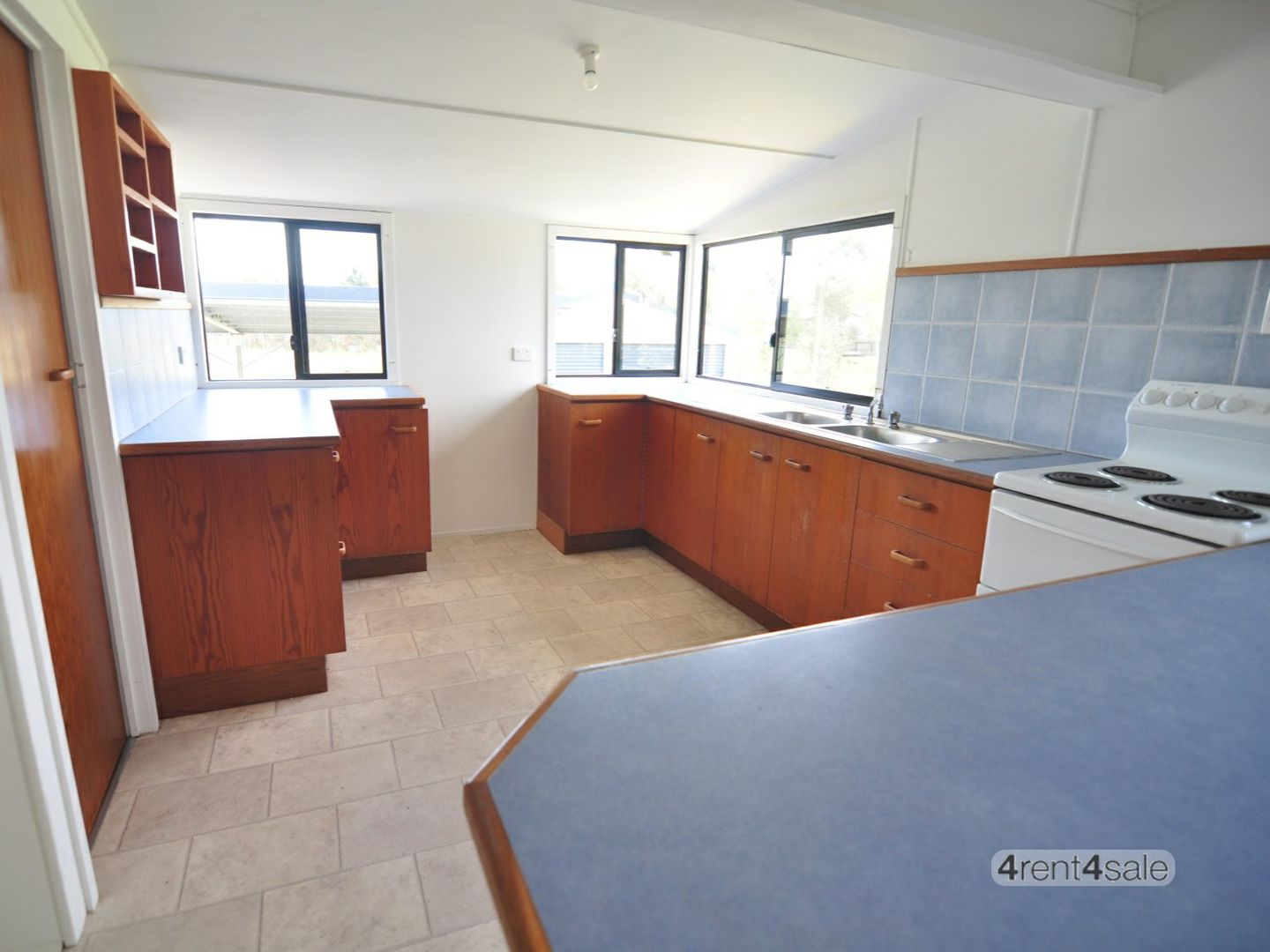 39 Mariposa Place, Cooloola Cove QLD 4580, Image 2