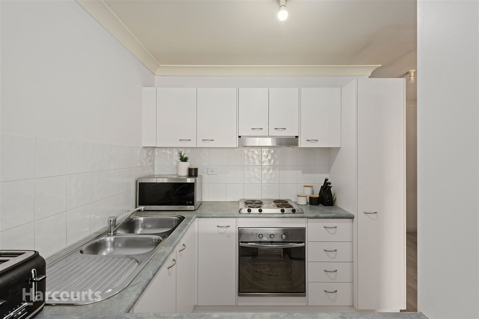 9/28 Addison Street, Shellharbour NSW 2529, Image 2