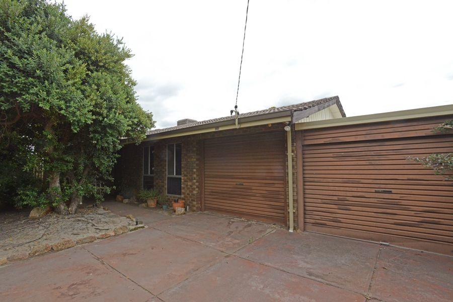 4 Gordon Place, Huntingdale WA 6110, Image 1
