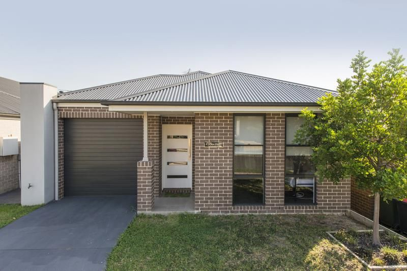 9 Lyora Street, Glenmore Park NSW 2745, Image 0