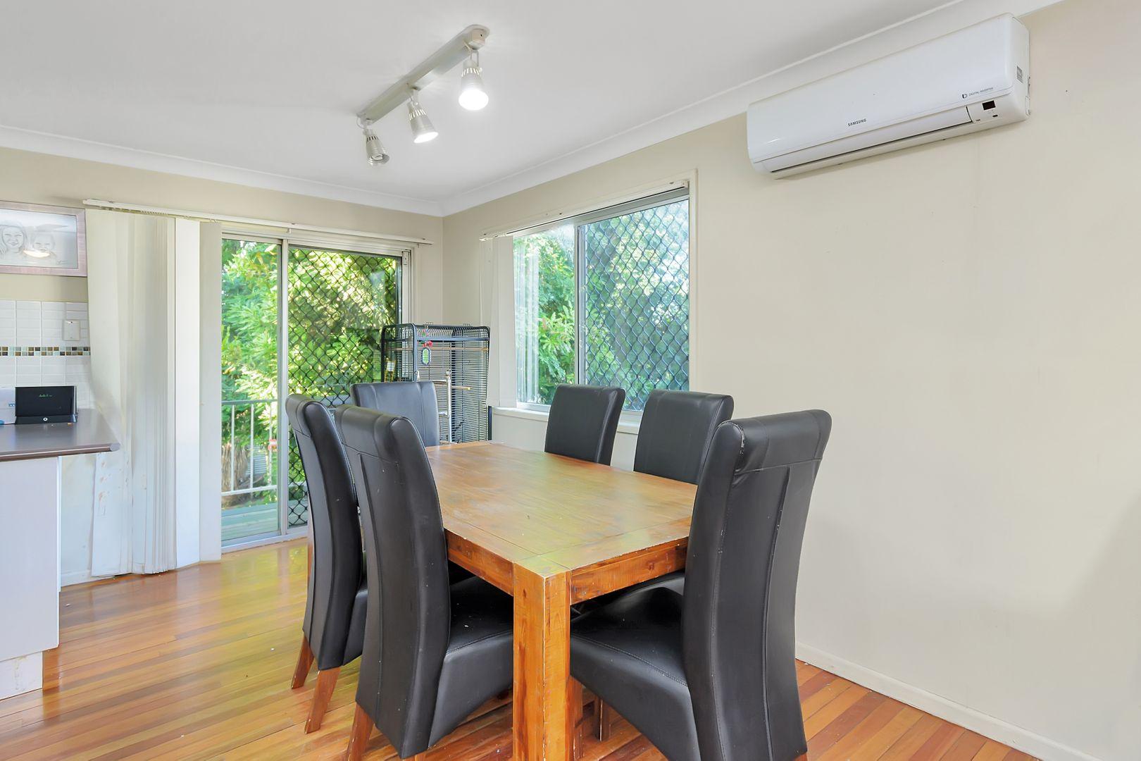 4 Barret Street, Flinders View QLD 4305, Image 2