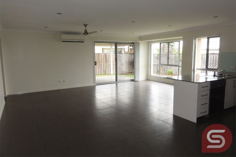 18 Cyan Ct, Morayfield QLD 4506, Image 2