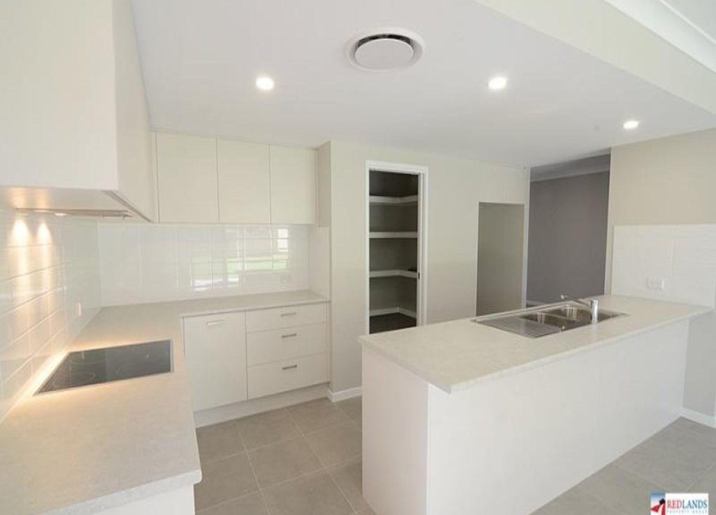 28 Albert Street, Ormiston QLD 4160, Image 2