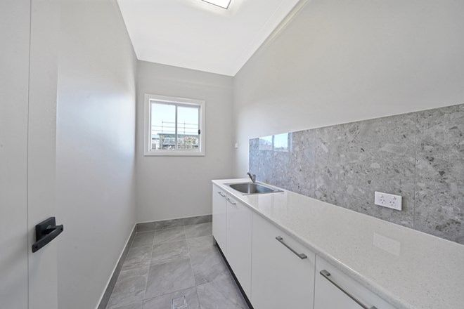 Picture of House 1/22 Satelberg Street, HOLSWORTHY NSW 2173