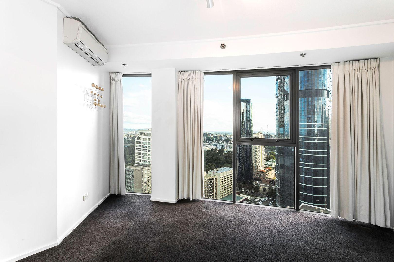 327/26 Felix Street, Brisbane City QLD 4000, Image 2