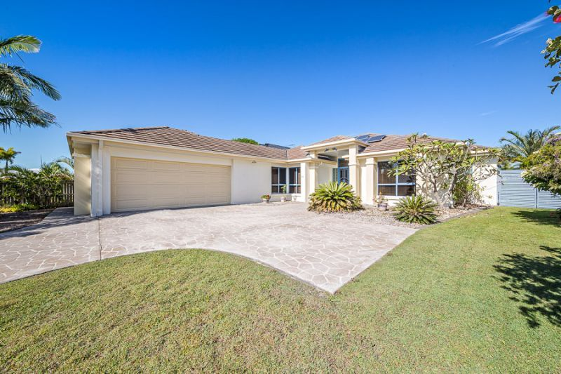61 Voyagers Drive, Banksia Beach QLD 4507, Image 2