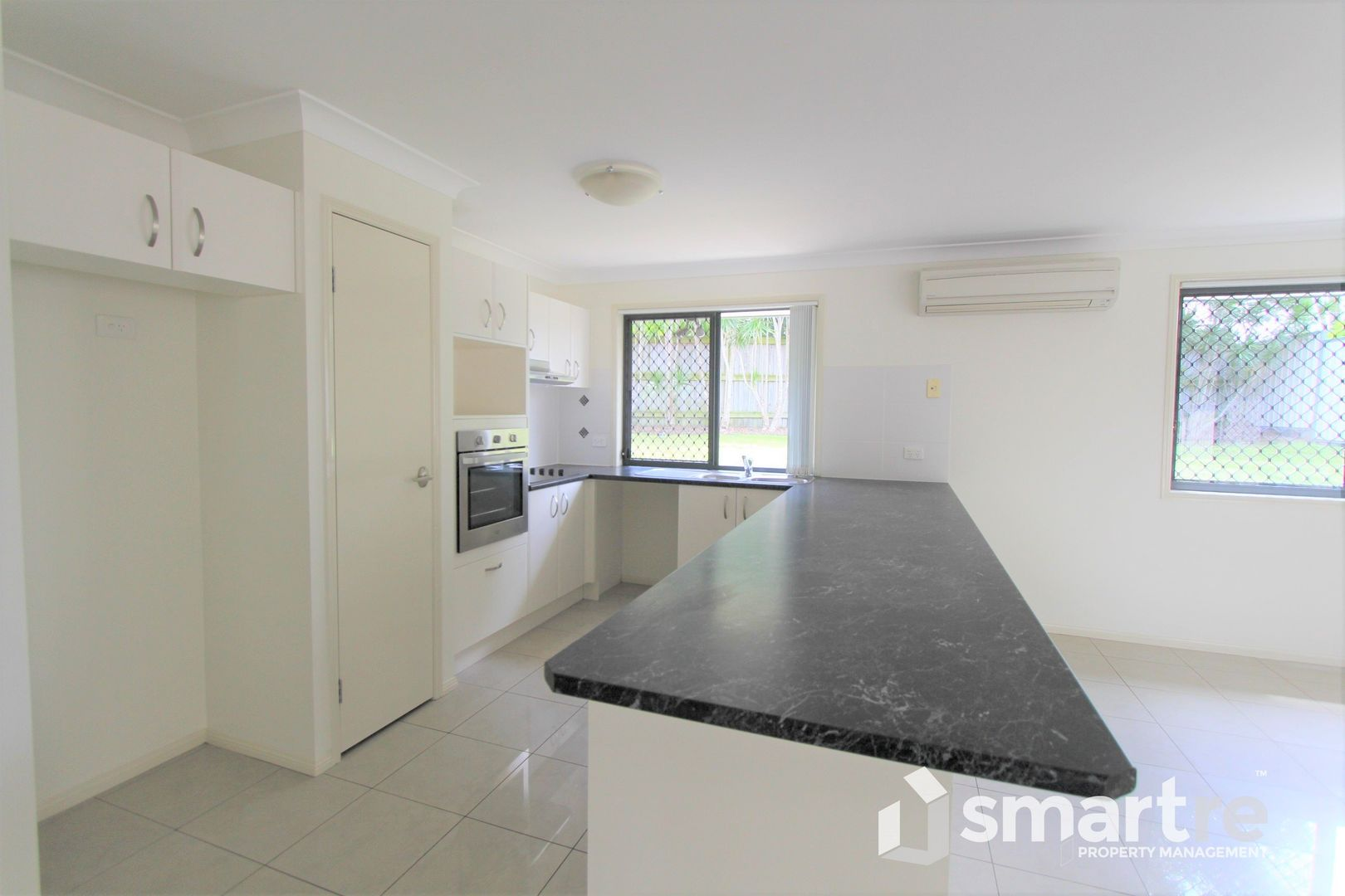 8 Summit Terrace, Forest Lake QLD 4078, Image 2