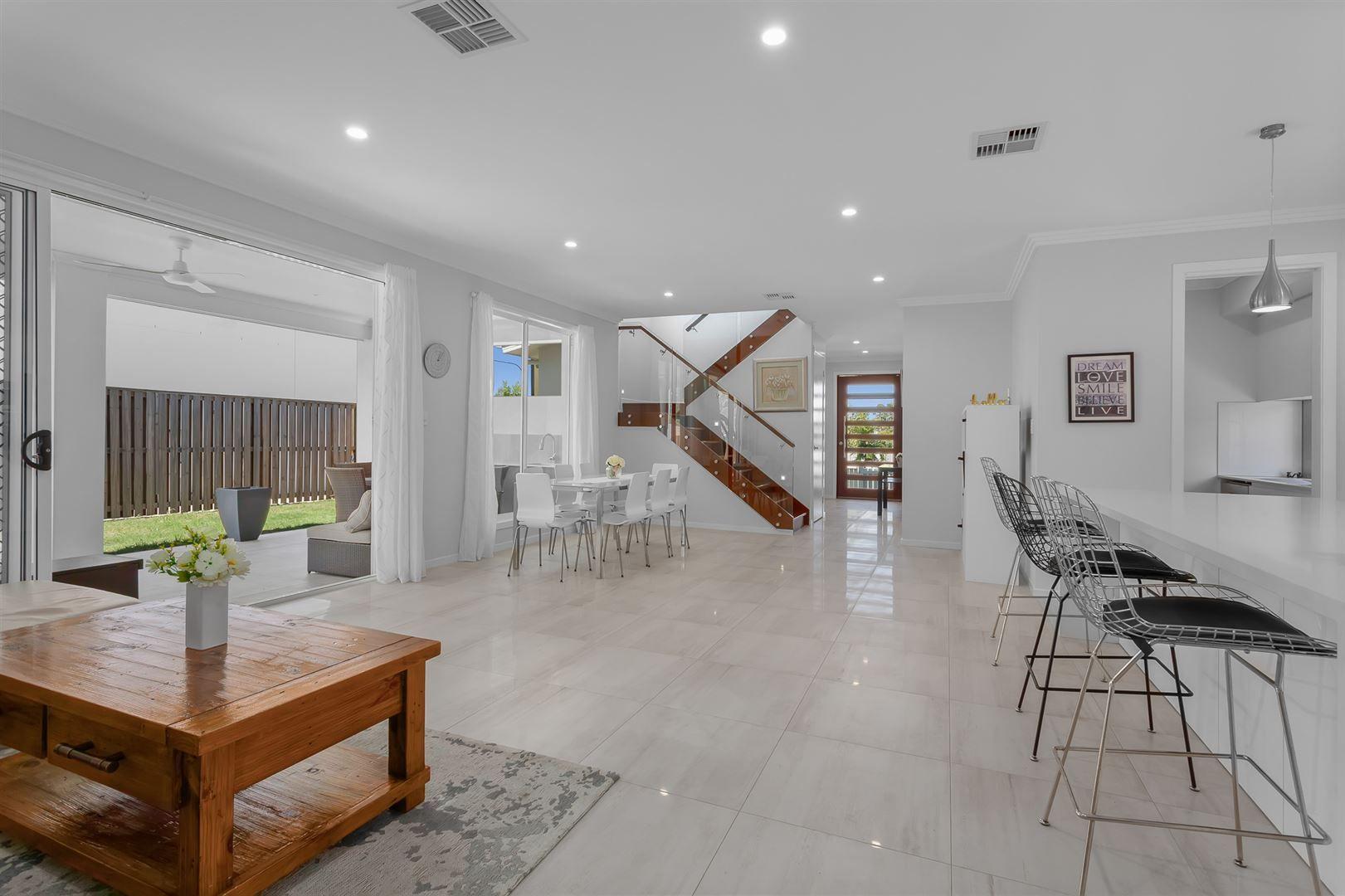 19 Vineyard Drive, Greenbank QLD 4124, Image 2