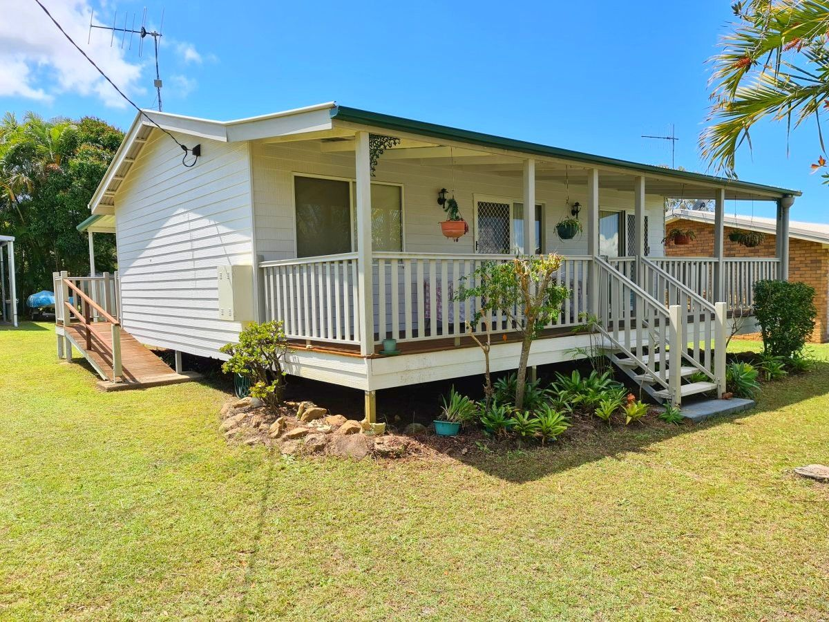 23 Seaview Avenue, Maaroom QLD 4650, Image 0