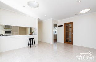 Picture of 15 Redwood Lane, Willetton WA 6155