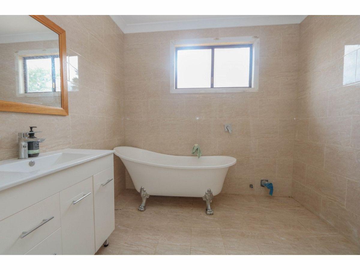 10 Violet Street, South Bathurst NSW 2795, Image 2