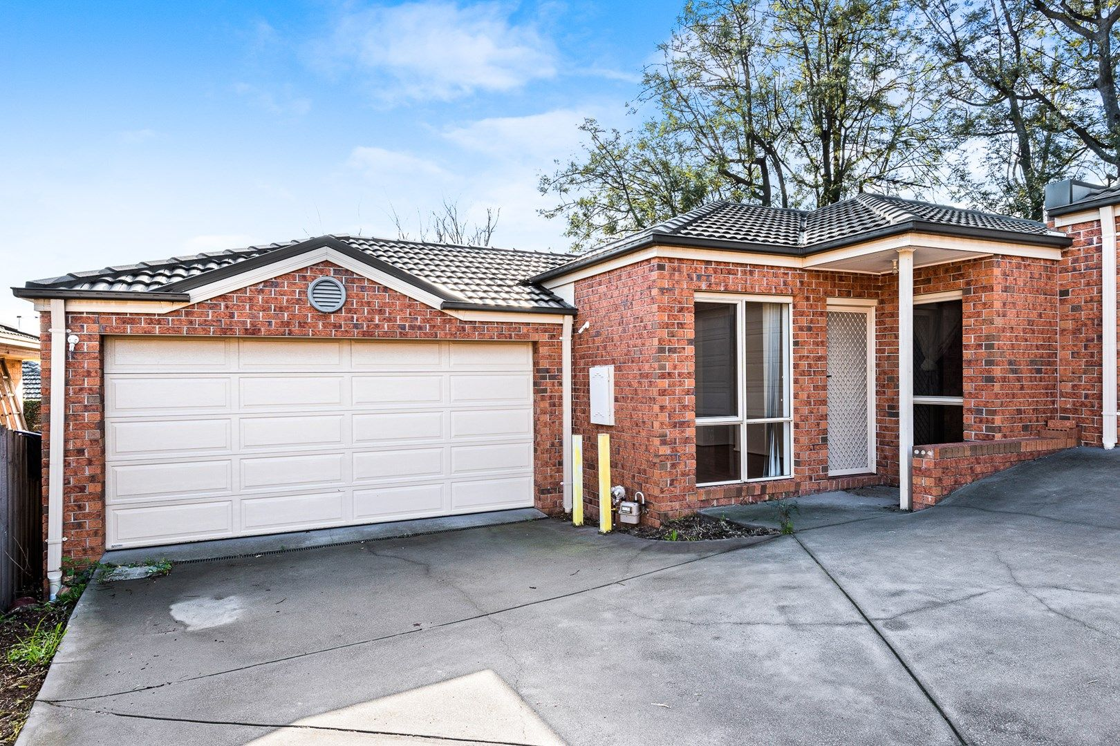 2/209 Highbury Road, Burwood VIC 3125, Image 0