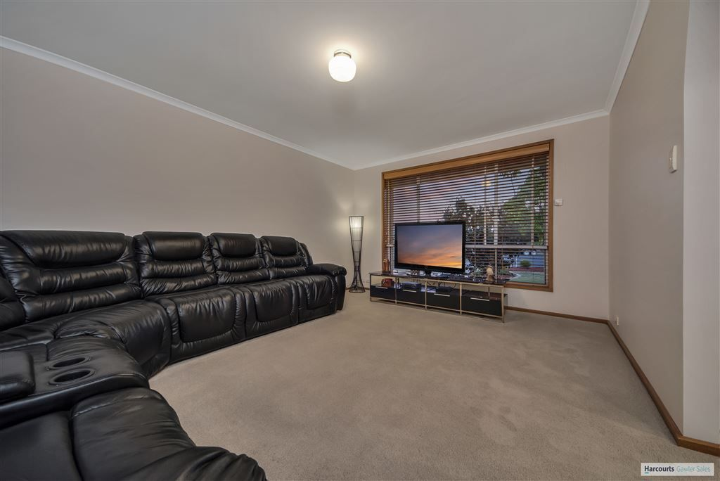 8 Barkley Crescent, Willaston SA 5118, Image 2